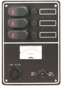Üçlü sigorta paneli, çakmak soketli ve voltmetreli.