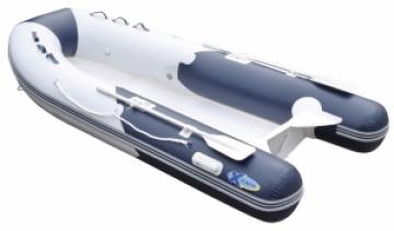 X-Cape Fiber gövdeli şişme bot.