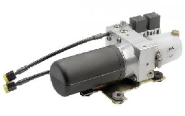 Vetus elektro-hidrolik pompa. Sağ ve sol dönüşe müsait motor; geri dönüşü engelleyen valf ve by-pass valfe sahiptir.